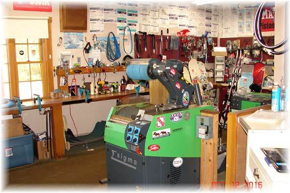 Drummond's Mountain Shop: Ski Tuning